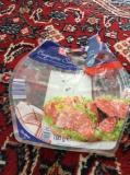 Indizienbeweis: Salamipackung - geöffnet und geleert von Gaia