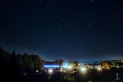 Nachthimmel über dem Campingplatz Edersee